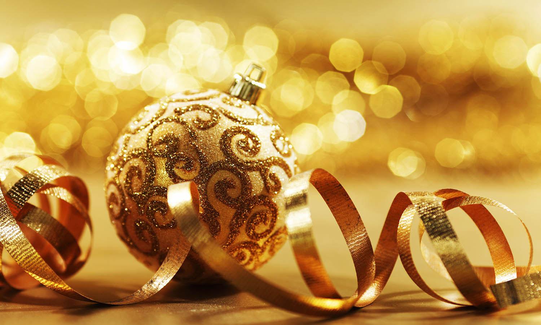 Екипът на DADA Ви пожелава Весели празници!